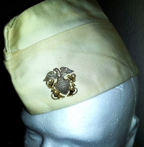 I added the vintage garrison cap officer's crest device to the white garrison cap.
