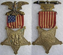 I managed to source a GAR membership medal for inclusion in the shadow box. This example shows the obverse and reverse of a GAR medal from 1886 (source: OMSA database).